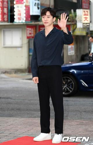 2PM ジュノ、ドラマ「油っぽいメロ」の打ち上げに参加。ソウル市永登浦区の飲食店。