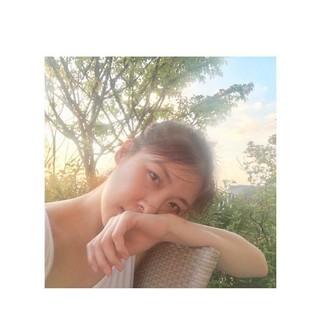 【g公式】女優ハ・ジウォン、庭での写真を公開。