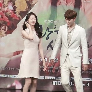 【動画】少女時代 ユナ、仲良しの俳優ホン・ジョンヒョン とのサインミスが何故か今になって話題。。