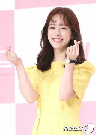 女優ハン・ジミン、tvNドラマ「知ってるワイフ」制作発表会に出席。25日午後、ソウルTIMES SQUAREアモリスホール。
