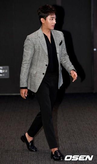 俳優ソン・ホジュン、「第10回MTN放送広告フェスティバル」授賞式に出席。26日午後、ソウル・グラッドホテルヨイド。CF(CM)人気スター賞を受賞。
