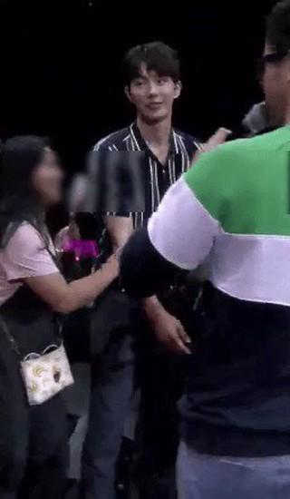 【動画】俳優ナム・ジュヒョク、日本では想像し難いファンミーティング。。●同じ所属事務所の2NE1 出身Daraと一緒に参加●アパレル会社が主催したフィリピンファンミーティング。