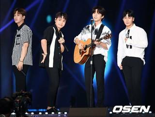 VROMANCE、「KSTAR 2018 KOREA MUSIC FESTIVAL(KMF)」に出演。1日午後、ソウル・高尺スカイドーム。