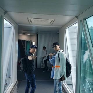 【G公式】俳優チュ・ジフン、出国中。●台湾行き●映画「神と共に2」の監督と一緒。