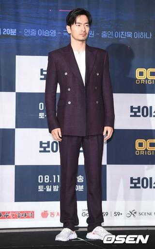 俳優イ・ジヌク、OCNオリジナルドラマ「ボイス2」制作発表会に出席。