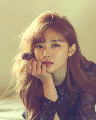 【g公式】女優キム・ユジョン、SNS更新。その2。「暑さに注意してください」。