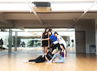 【動画】【w公式】 LABOUM、「Between Us」Dance Practice 公開。