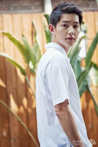 俳優ソン・ジュンギ、ソウルでデビュー10周年ファンミーティングを開催。9月1日、ソウル・慶熙大の「平和の殿堂」にて。