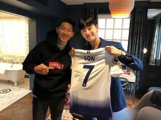 【G公式】俳優パク・ソジュン、サッカー韓国代表ソン・フンミン選手との2ショットを公開。