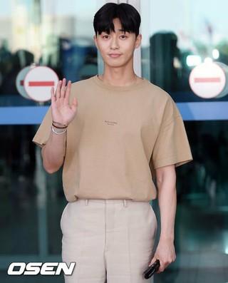 俳優パク・ソジュン、「キム秘書がなぜそうか?」の褒賞休暇のためプーケットに出国。13日午後、仁川国際空港。