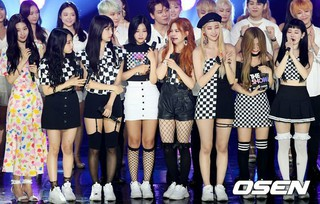 DIA、SBS MTV「THE SHOW」で感動の1位!