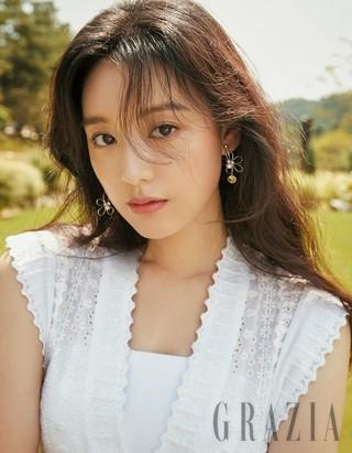 女優キム・ジウォン、画報公開。GRAZIA。