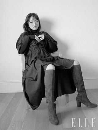 女優コ・アソン、画報公開。ELLE。