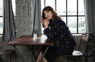 """女優ハン・ジヘ、画報公開。""""秋の女神""""。"""