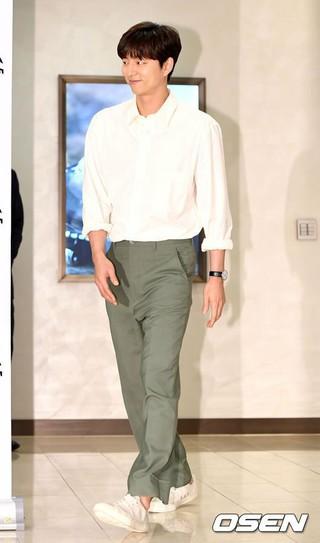 俳優コン・ユ、ソウル市内で行われたコスメブランドのローンチイベントに出席。