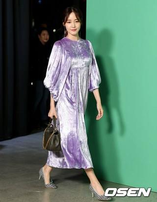 女優ソン・ユリ、MULBERRYのフォトコールに出席。ソウル・K現代美術館。