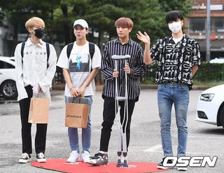 100%、KBS2「ミュージックバンク」リハーサルへ出勤中。