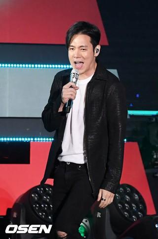 Fly To The Sky ファニ、「DMCフェスティバル2018」覆面歌王ザウィナーステージに出演。ソウル・MBC広場。