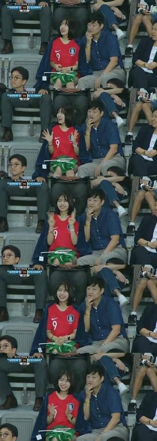 I.O.I 出身キム・ソヘ、サッカー韓国ーコスタリカ戦を観戦。