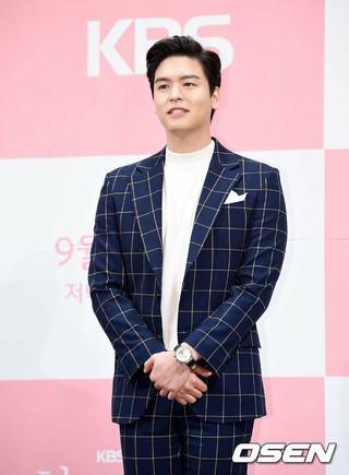 俳優イ・ジャンウ、KBS週末ドラマ「1人だけの私の味方」の制作発表会に出席。12日午後、インペリアルパレスホテル。