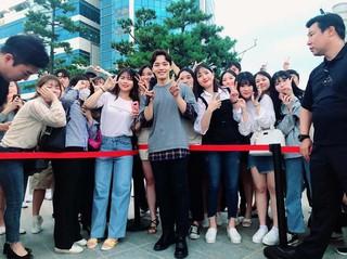 【G公式】俳優ヨ・ジング、近況を公開。●今日、明るいエネルギーと明るい笑顔で出迎えてくださった皆さん、●本当にありがとうございます!●短い出会いだったが、幸せだった!