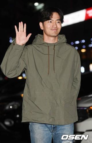 俳優イ・ジヌク、ドラマ「ボイス2」の打ち上げアーティーに参加中。ソウル永登浦(ヨンドゥンポ)区のレストラン。