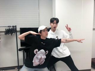 【JT公式】2PM、大阪でDJチャンソンのサポートしてくれたニックン!二人でナイスコンビネーションでした��❤️   #2PM #CHANSUNG #チャンソン #ニックン