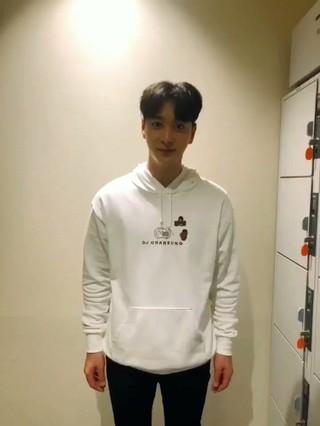 【動画】【JT公式】2PM、愛嬌職人チャンソンからのスイートな愛嬌をお届けします����気をつけて帰ってくださいね♪   #2PM #CHANSUNG #チャンソン