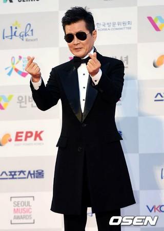 歌手テ・ジナ、第26回ソウル歌謡大賞授賞式に出席。