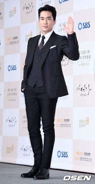 俳優ソン・スンホン、SBSドラマ「師任堂(サイムダン)、色の日記」の制作発表会に出席。 (1枚)