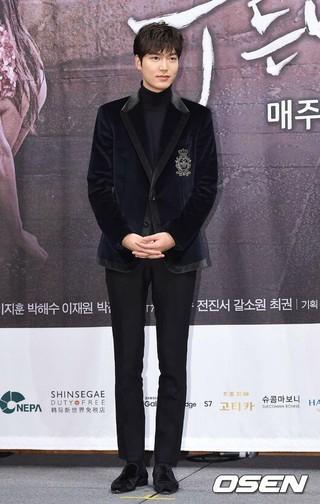 俳優イ・ミンホ、3月〜4月「入隊説」。所属会社「まだ未定、通知書も届いていない」。 (1枚)