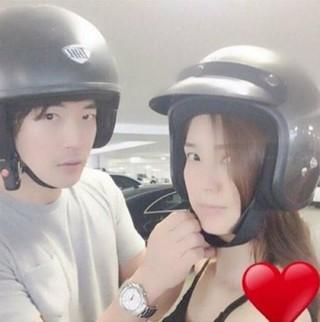 女優ソン・テヨン、SNS更新。夫で俳優クォン・サンウとのツーショット。
