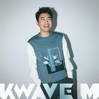 イ・シオン、画報公開。雑誌「KWAVE M」。 (3枚)