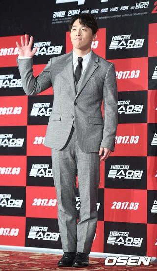 「BIGBANG SOLの実兄」俳優ドン・ヒョンベ、映画「非正規職の特殊要員」制作報告会に出席。ソウル、ロッテ・シネマ建大入口店。