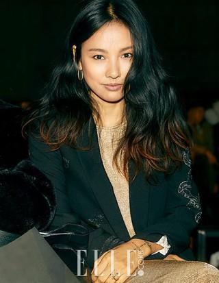 歌手イ・ヒョリ、画報公開。雑誌「ELLE」。NYファッションウィークに出席したようす。 (2枚)