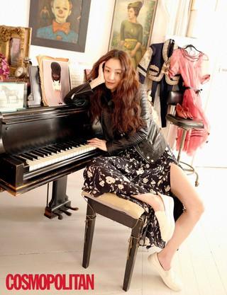 女優チョン・リョウォン、画報公開。雑誌「COSMOPOLITAN」。