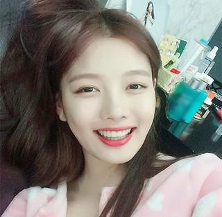 """キム・ユジョン、SNS更新。""""ラブリー少女""""の明るい笑顔を公開。 (1枚)"""
