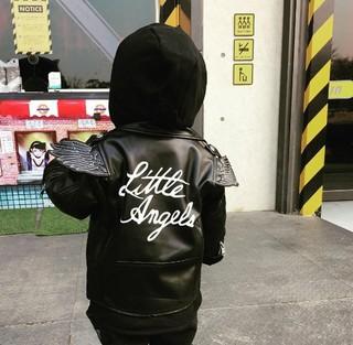 イ・ミンジョン、SNS更新。息子の後ろ姿は「little angel」。 (1枚)