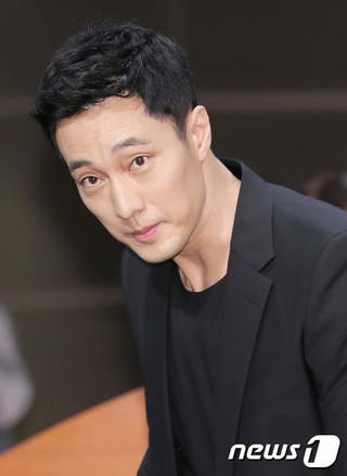 俳優ソ・ジソブ、MBC新ドラマ「私の後ろにテリウス」制作発表会に出席。27日午後、ソウル・MBCゴールデンマウスホール。