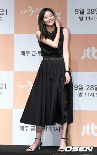 女優イ・ソム、JTBC新ドラマ「第3の魅力」制作発表会に出席。27日午後、汝矣島コンラッドソウル。