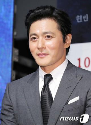 俳優チャン・ドンゴン、映画「猖獗」の制作報告会に出席。28日午前、ソウル・狎鴎亭(アックジョン)CGV。