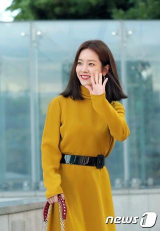 女優ハン・ジミン、「VALENTINO」Candystud Factoryポップアップストアオープン式に出席。ソウル・ギャラリア名品館。