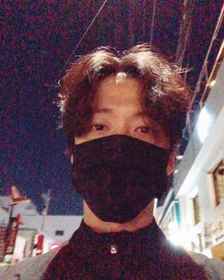 【G公式】俳優ナムグン・ミン、 近所を一回りした時の写真を公開。