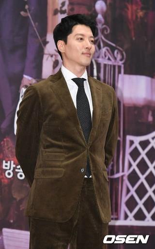 俳優イ・ドンゴン、SBS新月火ドラマ「キツネ嫁星」の制作発表会に出席。