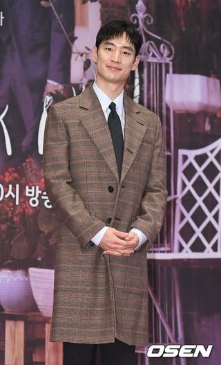 俳優イ・ジェフン、SBS新月火ドラマ「キツネ嫁星」の制作発表会に出席。