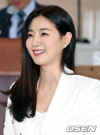 女優キム・サラン、「緑の傘子供財団」広報大使委嘱式に出席。2日午後、ソウル中区・子供財団。