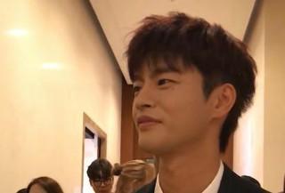 【w公式】 tvN、「空から降る一億の星」制作発表会ソ・イングク 直カムを公開。