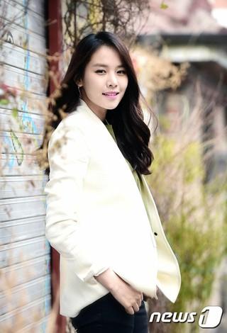 女優チョ・ユンヒ、SBS「みにくいうちの子」MCで出産後、活動復帰へ。