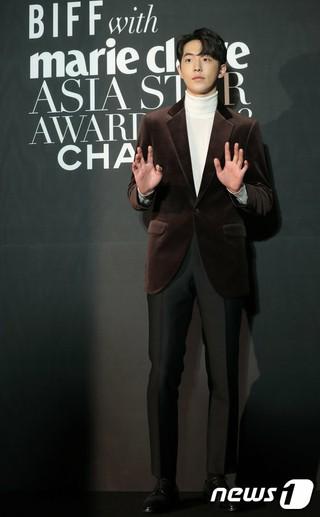 俳優ナム・ジュヒョク、「marie claire アジアスターアワーズ」レッドカーペットイベントに出席。5日午後、釜山・海雲台グランドホテル。