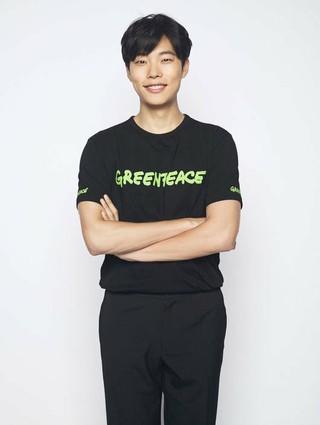 俳優リュ・ジュンヨル に続き、ファンクラブ(All for RYU)会員らも国際環境NGOグリーンピースに500万ウォン(約50万円)を寄付。